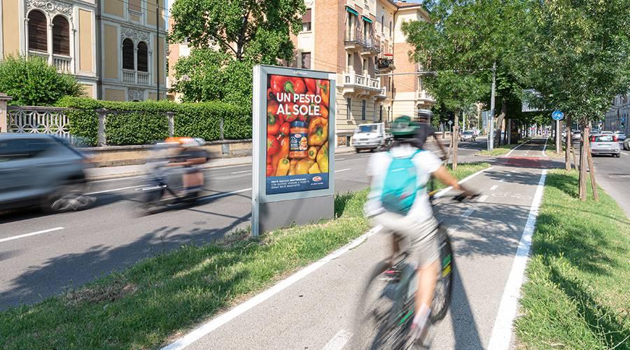 IGPDecaux pubblicità Out Of Home a Bologna MUPI per Barilla