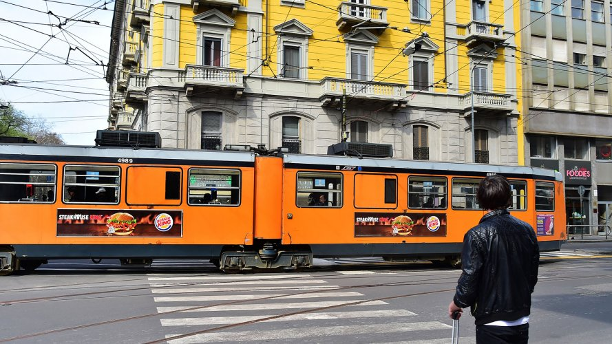 OOH advertising IGPDecaux in Milan Side Banner per Burger King