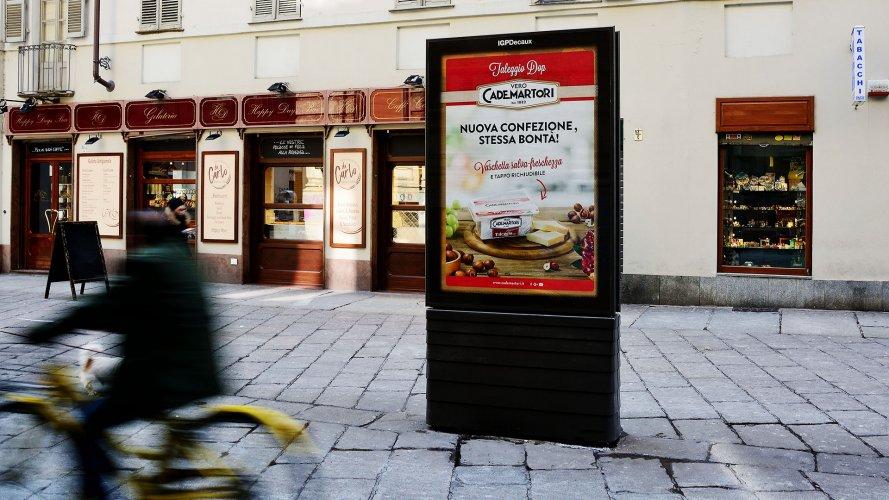 Comunicazione esterna IGPDecaux Pensiline + Mupi a Torino per Cademartori