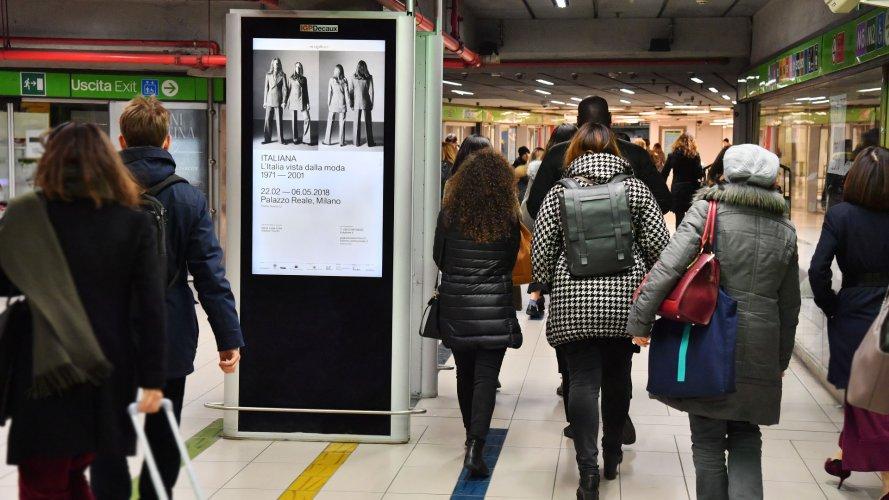 Pubblicità metropolitana Milano IGPDecaux circuito digital per Camera Nazionale della moda