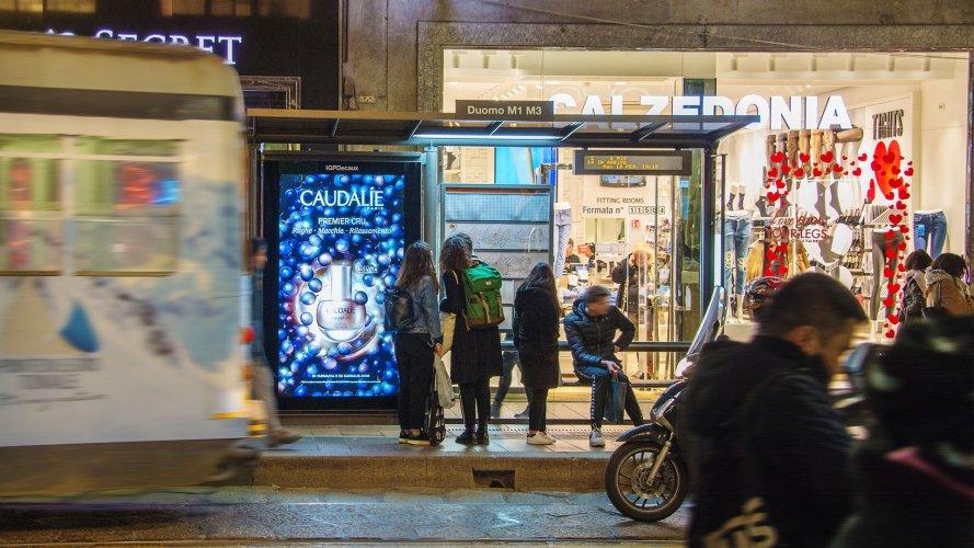 Pubblicità esterna IGPDecaux Network Vision a Milano per Caudalie