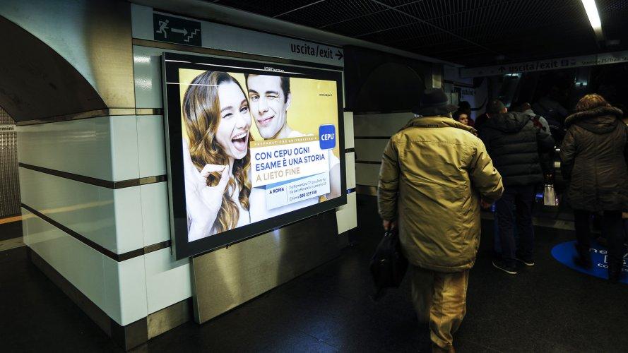 Pubblicità metro Roma IGPDecaux Circuito a Copertura Landscape per Cepu
