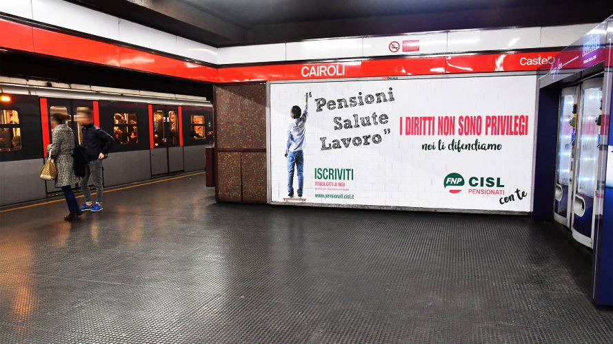 Pubblicità in metropolitana IGPDecaux Circuito a Copertura Landscape a Milano per CISL