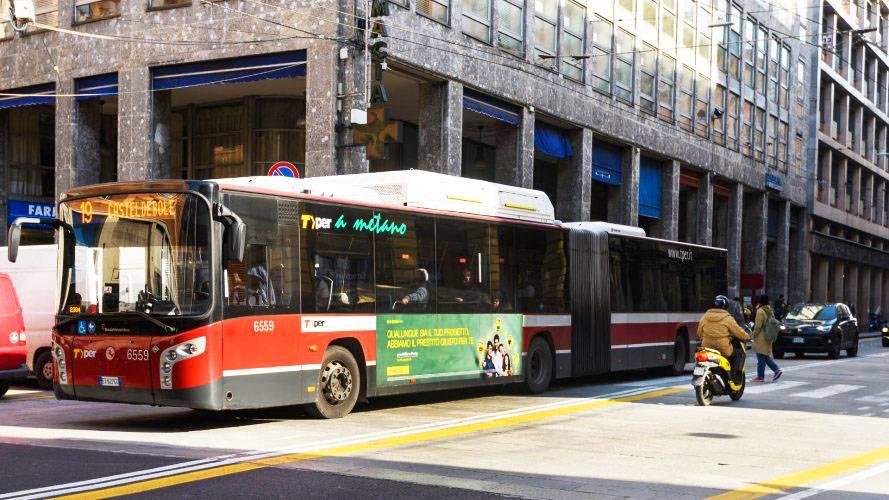 Bus advertising IGPDecaux Landscape Stickers in Bolonia for Deutsche Banco Posta