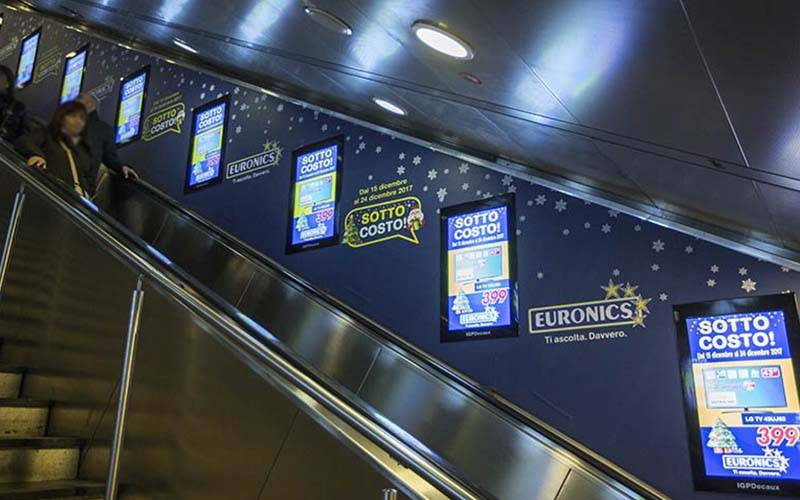 Underground advertising IGPDecaux Digital Escalators in Rome for Euronics