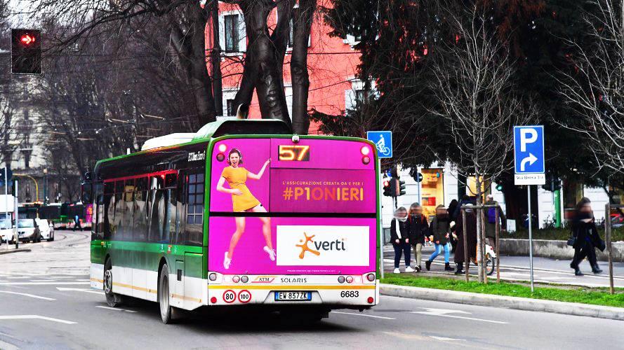 Pubblicità su autobus Milano IGPDecaux FullBack Direct Line