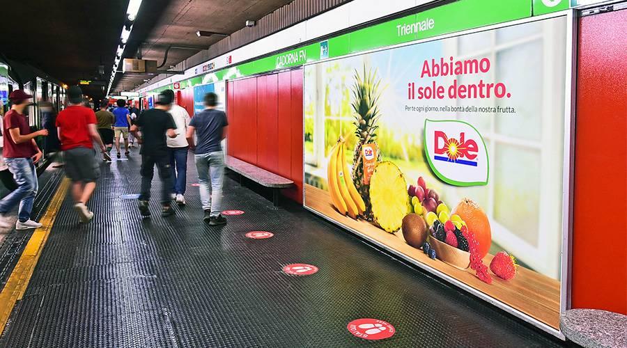 Pubblicità in metropolitana a Milano IGPDecaux Circuito a Copertura Landscape per Dole Italia