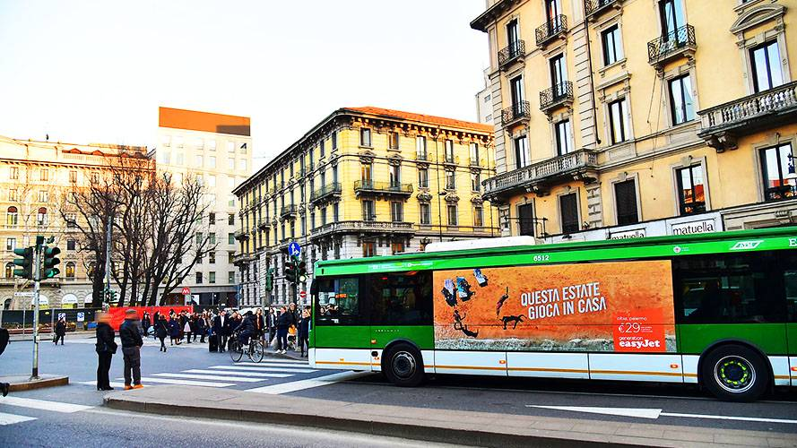 IGPDecaux OOH advertising in Milan Landscape Stickers for EasyJet