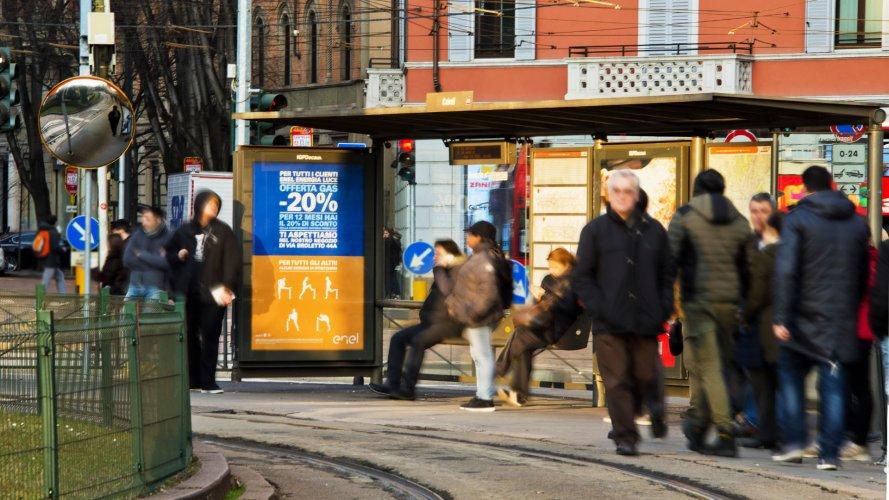 Arredo urbano IGPDecaux Pensiline + Mupi a Milano per Enel Energia