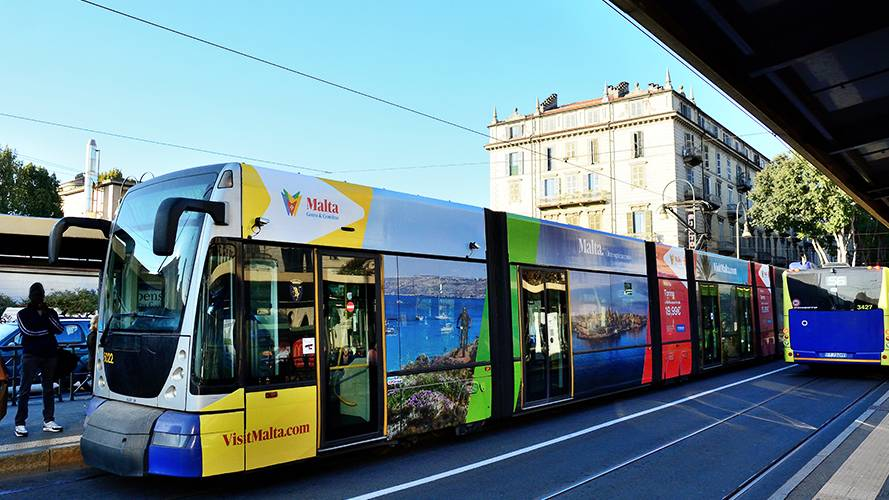 OOH advertising IGPDecaux Full-Wrap for Ente Turismo Malta in Turin