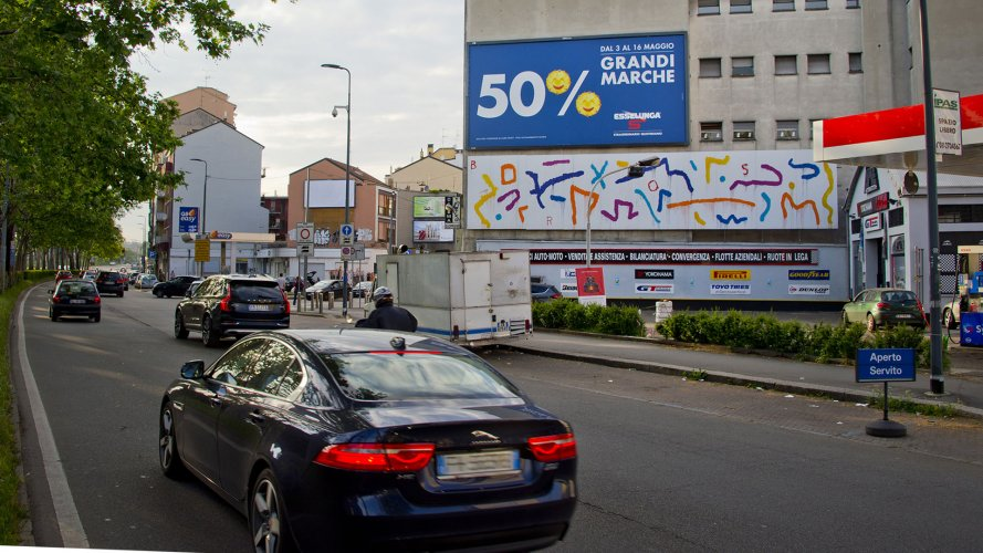 Outdoor advertising IGPDecaux Milan spectacular for Esselunga