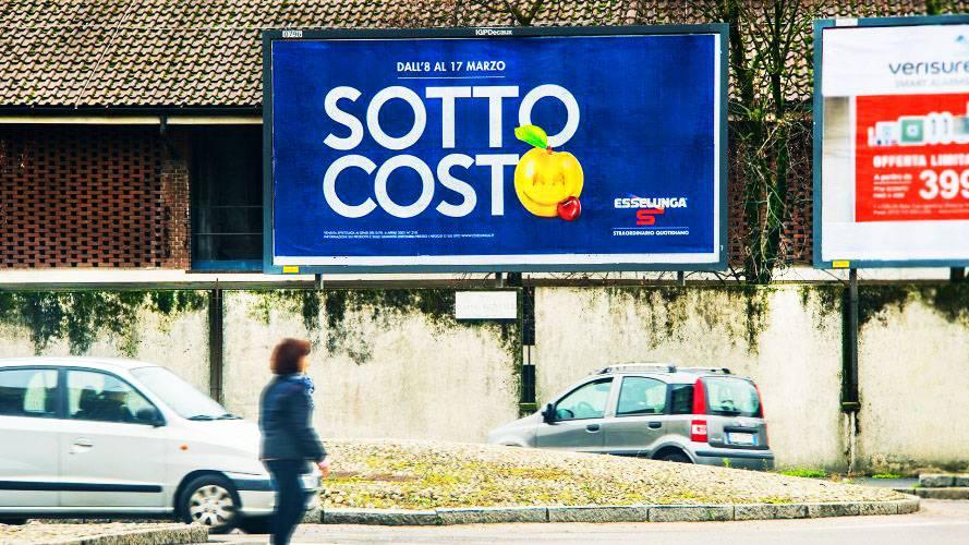 Affissioni Milano IGPDecaux poster per Esselunga