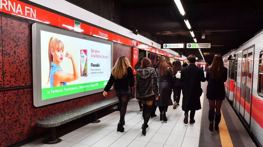 Pubblicità metro Milano Circuito a Copertura Landscape IGPDecaux per Eurosalus
