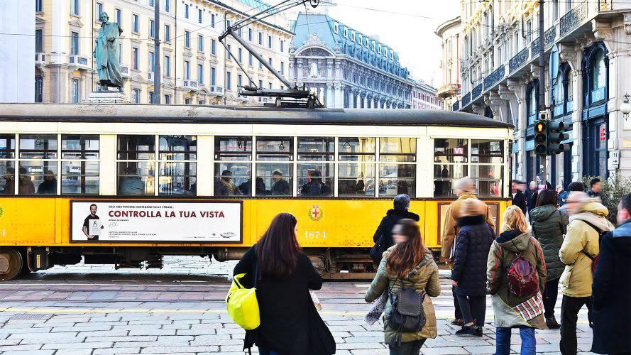 Pubblicità sui tram Milano IGPDecaux Side Banner Fia Sicurezza Stradale