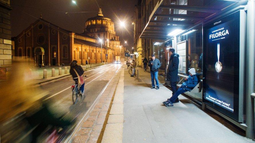 Pubblicità esterna IGPDecaux Milano pensiline digitali per Filorga