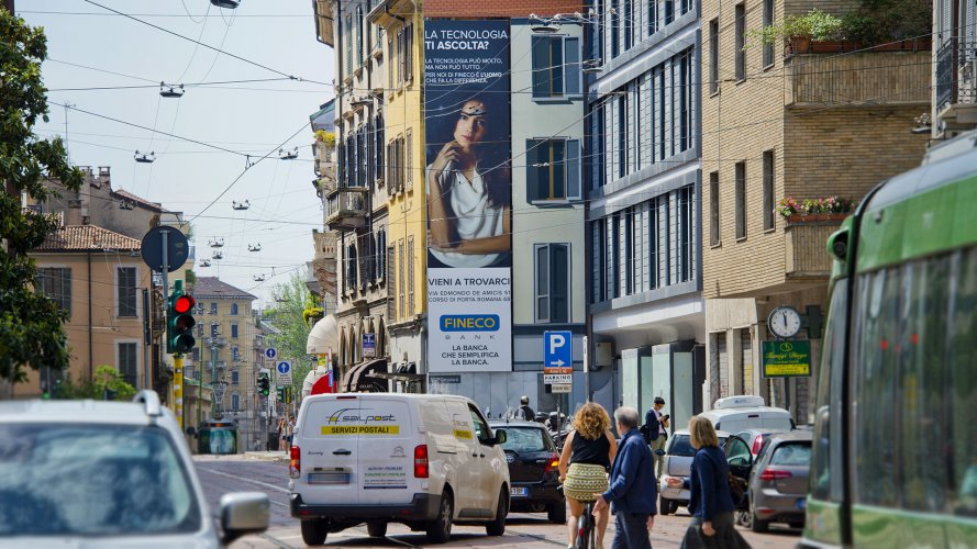 Billboards advertising IGPDecaux Spectacular in Milan for Fineco