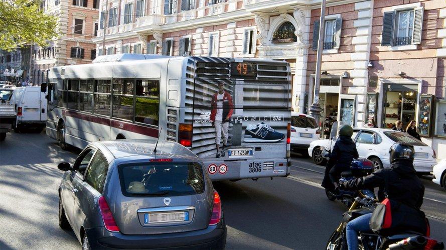 Pubblicità sugli autobus Roma IGPDecaux FullBack per Gartner Sport