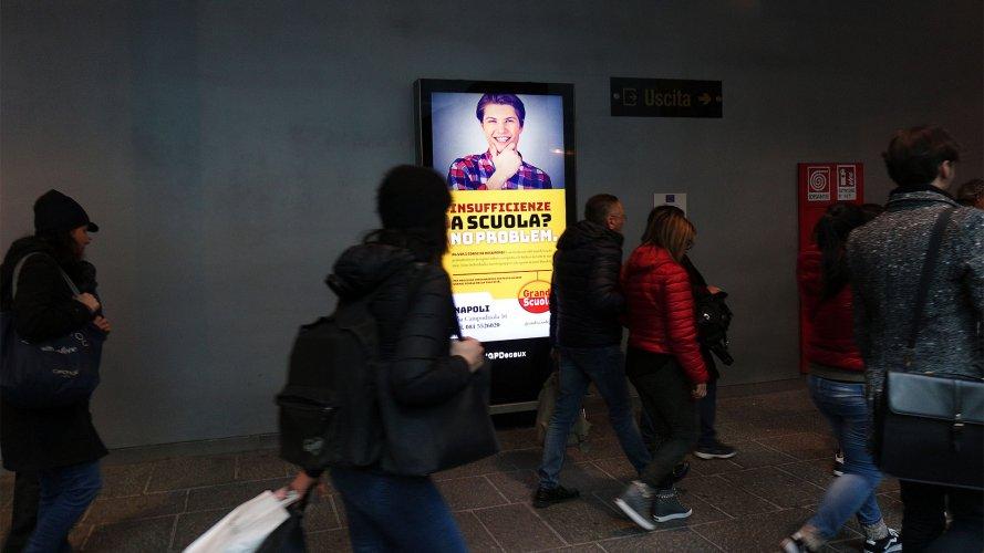 Underground advertising IGPDecaux Naples Underground Vision Network for Grandi Scuole