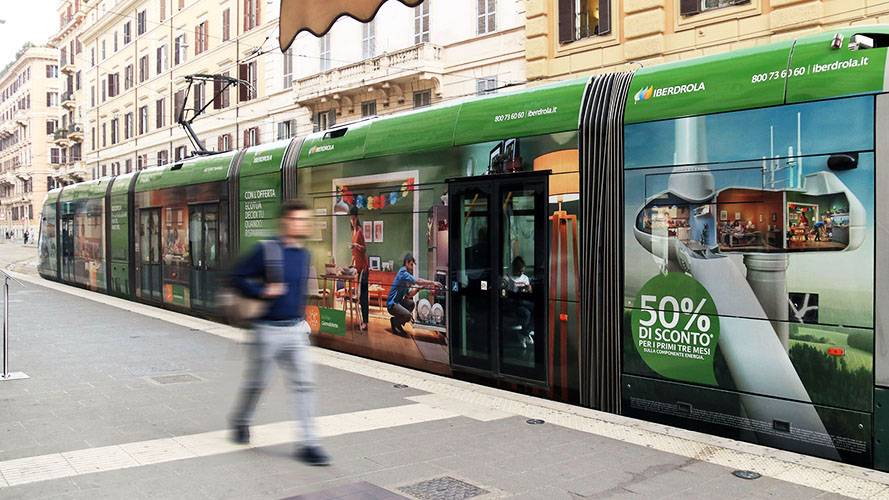 Advertising on tram IGPDecaux Rome Full-Wrap for Iberdrola