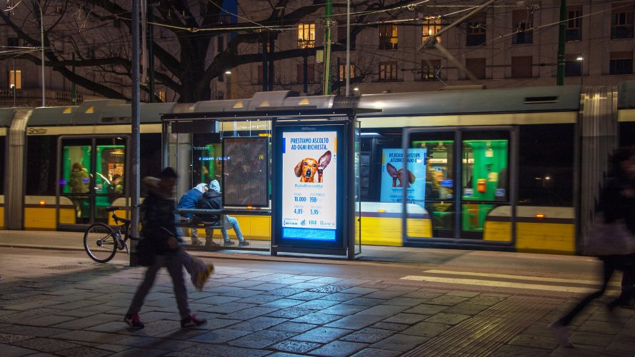dooh marketing IGPDecaux Vision Network in Milan for IBL