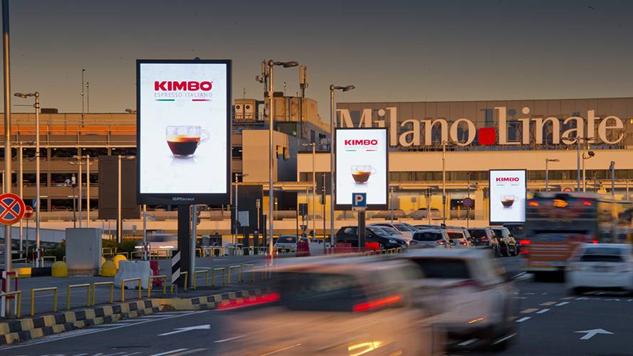 Airport advertising IGPDecaux 8sq m at Linate for Kimbo