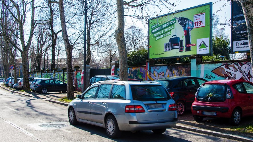 Billboards in Milan IGPDecaux spectacular for Leroy Merlin