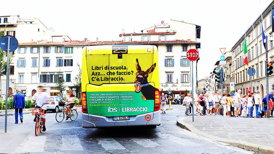Advertising on buses IGPDecaux FullBack in Florence for Il Libraccio