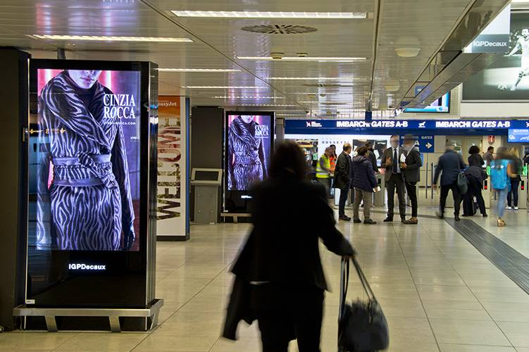 IGPDecaux OOH advertising Airport Vision Network at Linate for Cinzia Rocca