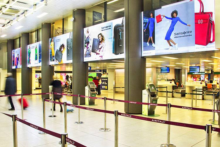 Linate airport advertising IGPDecaux Domination for Samsonite