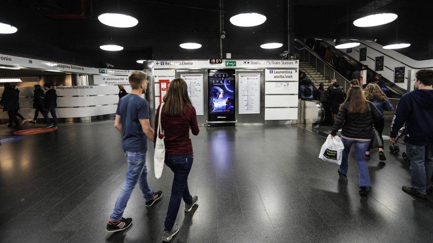 Pubblicità metropolitana IGPDecaux Network Vision Metropolitana a Roma per Lost in The Space