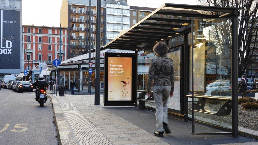 Pubblicità Out Of Home IGPDecaux a Milano pensiline digitali per Lufthansa