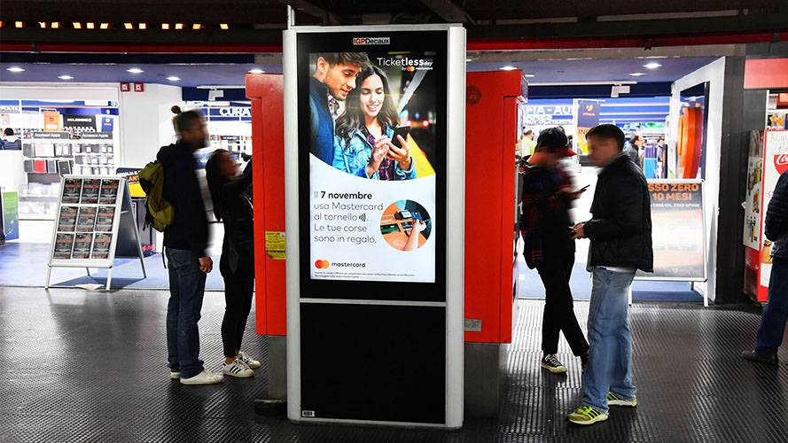 IGPDecaux DOOH Advertising in Milan Underground Vision Network for Mastercard