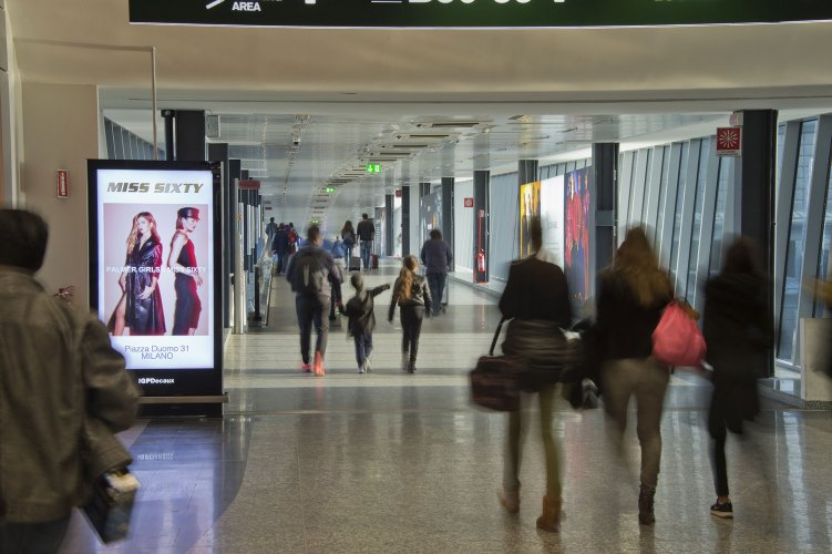 Airport advertising at Malpensa IGPDecaux Airport Vision Network for Miss Sixty
