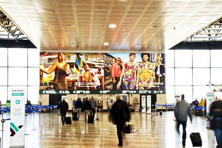 Airport Advertising Backlight at Malpensa for Dolce & Gabbana IGPDecaux