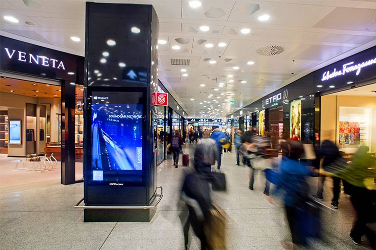 Malpensa Airport advertising Airport Vision Network IGPDecaux for Lenovo