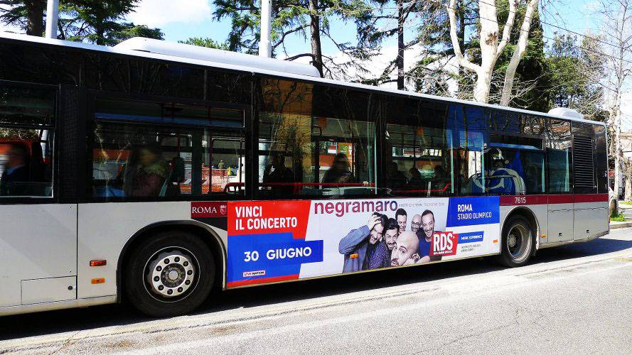 Bus advertising IGPDecaux Landscape Stickers in Rome for RDS