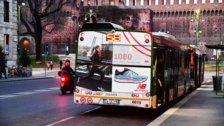 advertising on buses IGPDecaux Milan FullBack for New Balance