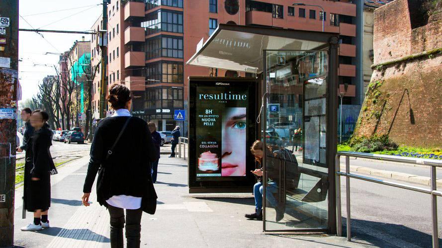 Pubblicità Milano pensiline digitali IGPDecaux per Nuxe