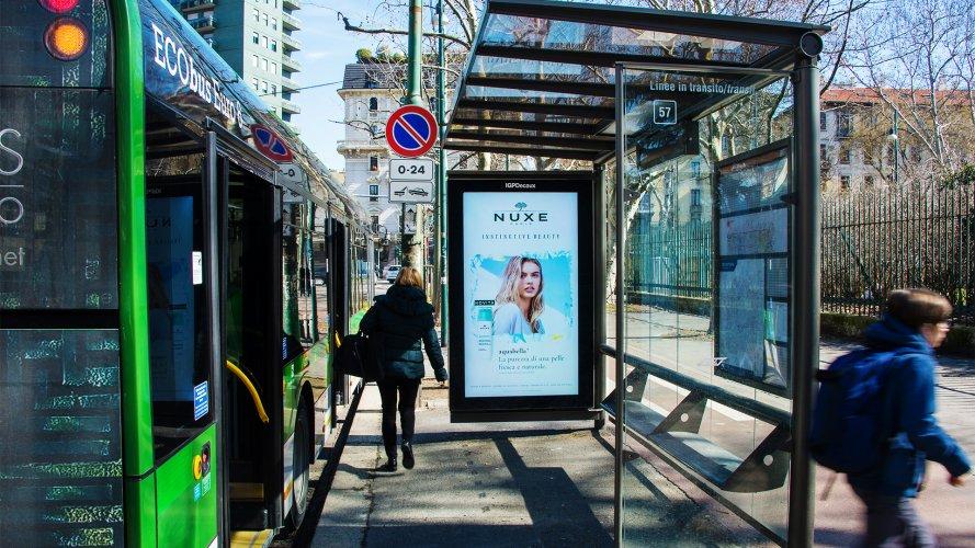 Pubblicità Milano IGPDecaux pensiline digitali Nuxe
