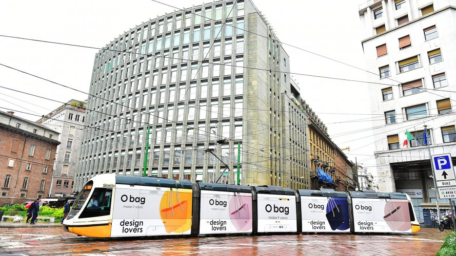 Pubblicità su tram Milano IGPDecaux Full-Wrap per O Bag
