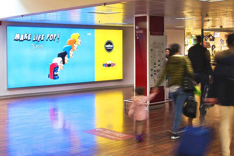 IGPDecaux airport advertising Backlight at Orio al Serio Airport for Lavazza