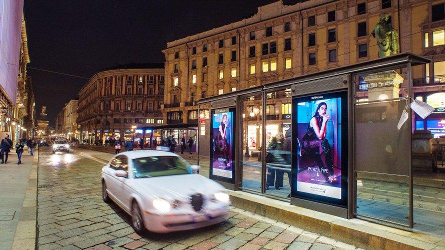 Impianti pubblicitari IGPDecaux a Milano Network Vision per Patrizia Pepe