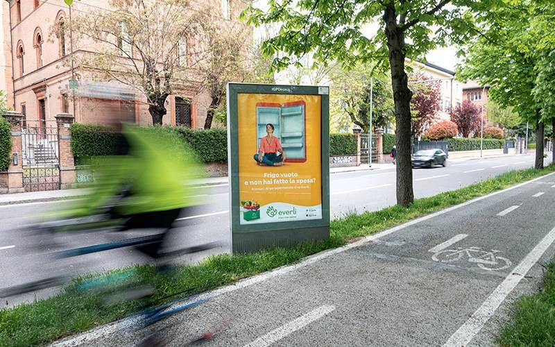 IGPDecaux pubblicità OOH a Bologna MUPI per Everli
