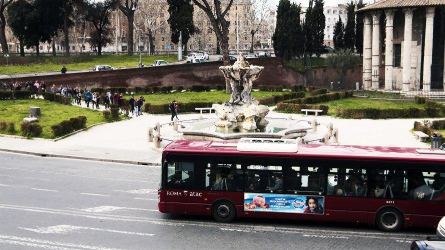 IGPDecaux Rome Side Banner for Salumifici Italiani