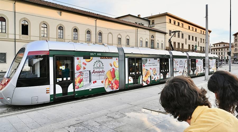 IGPDecaux OOH advertising a Firenze Full-Wrap per Sammontana