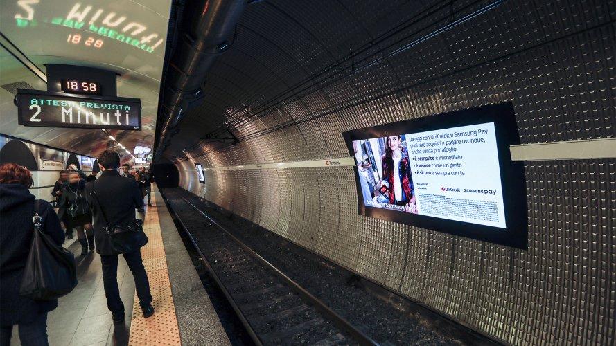 Pubblicità metro Roma Network Vision Metropolitana IGPDecaux per Samsung