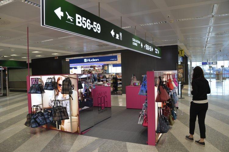 Aeroporto Malpensa pubblicità IGPDecaux temporary per Save My Bag