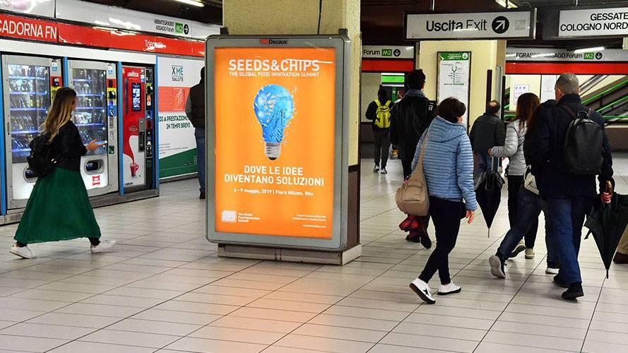 Pubblicità metropolitana milanese IGPDecaux a Milano Circuito a Copertura Portrait per Seeds&Chips