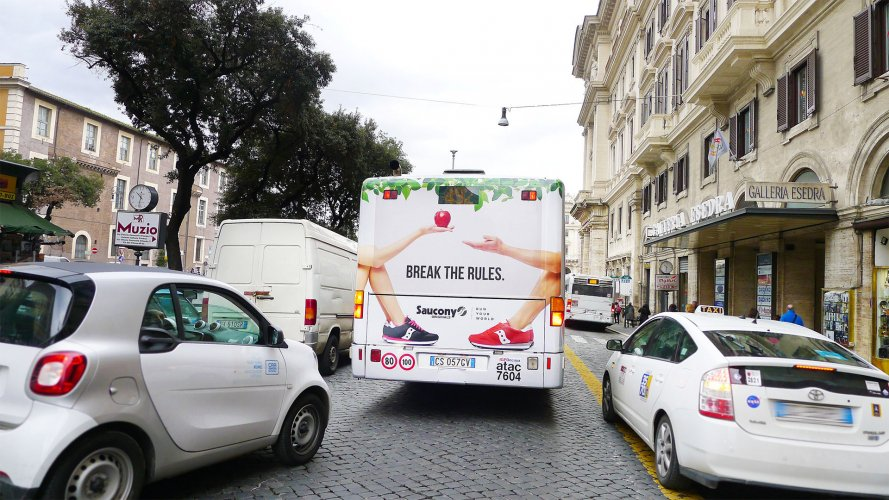ooh advertising IGPDecaux FullBack on Rome for Soucony