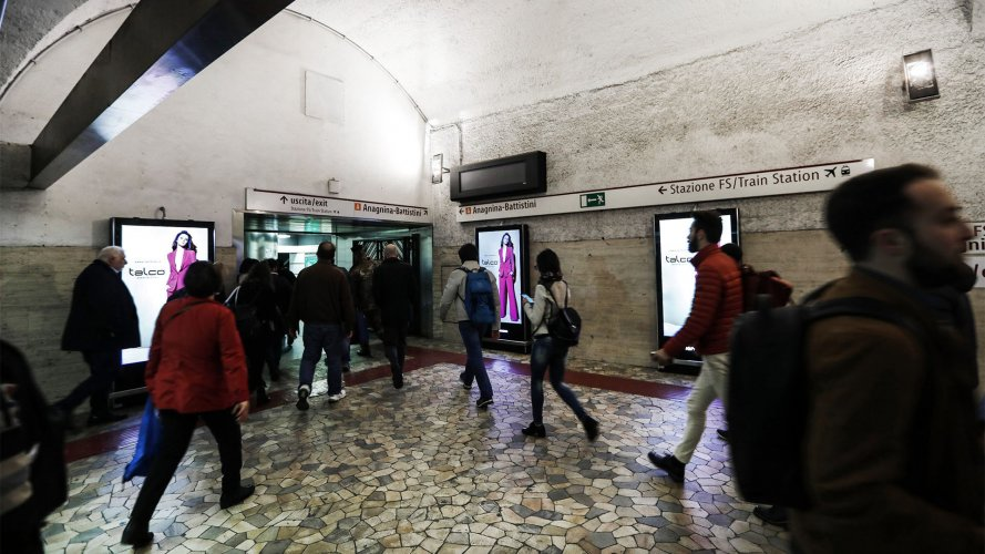 Pubblicità metropolitana Roma IGPDecaux Network Vision Metropolitana per Talco
